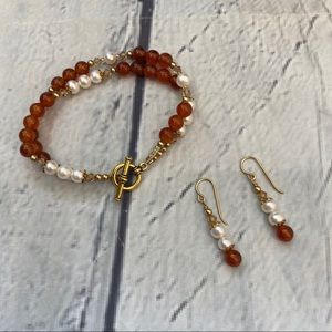 Jewelry - Amber and pearl bracelet and dangly earring set